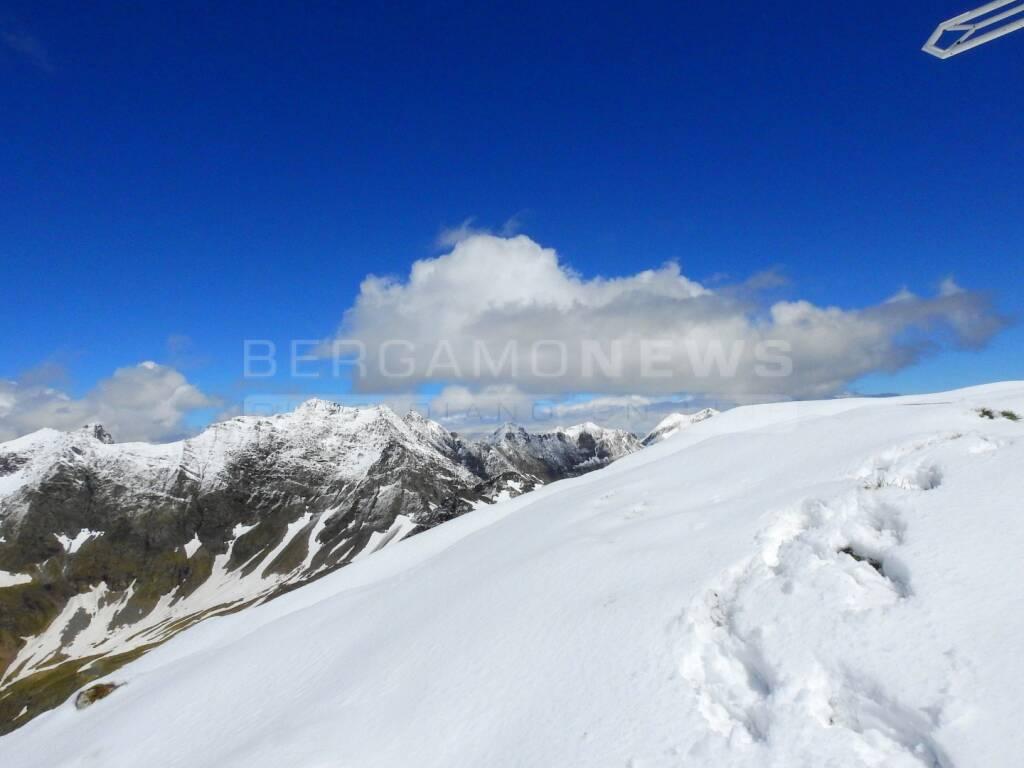 5 giugno, la neve torna a imbiancare le Orobie