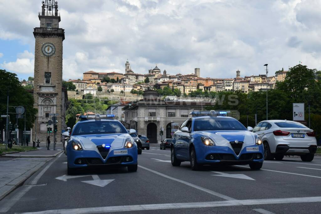 Nuove vetture Giulietta Alfa Romeo alla Questura di Bergamo