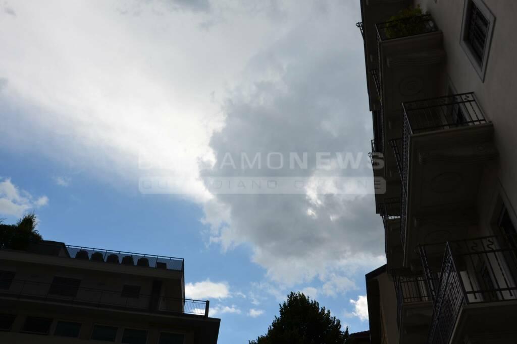 Nuvole nel cielo di Bergamo