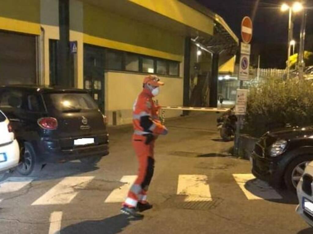 Parcheggi selvaggi ambulanza Lovere
