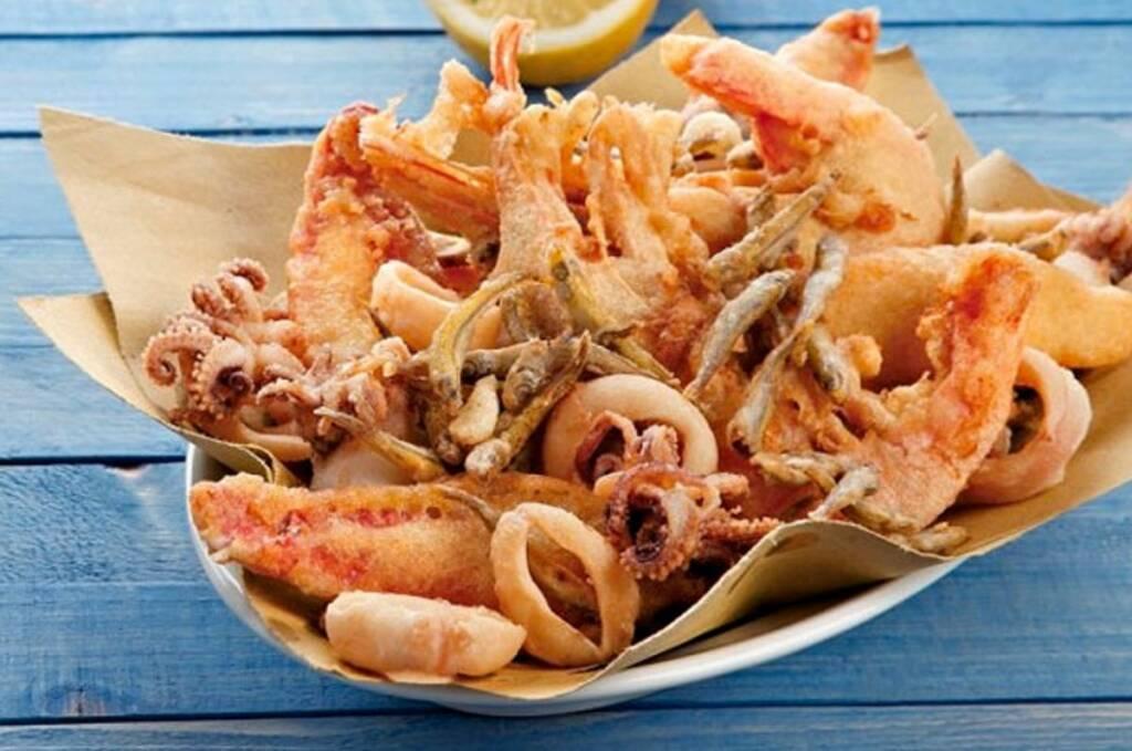 Festival del polpo alla brace e del fritto misto di pesce