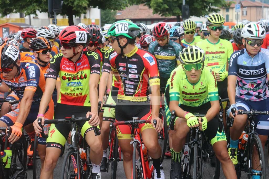 gazzaniga onore ciclismo