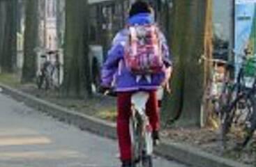 studente bici bicicletta
