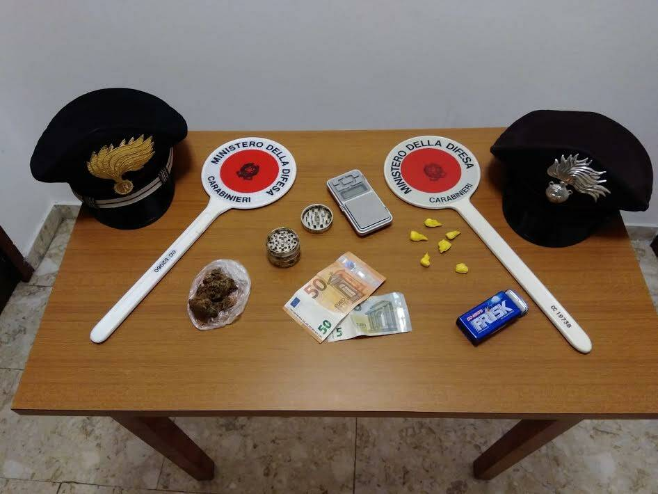 Valbondione, in tasca cocaina e marijuana: arrestato 35enne