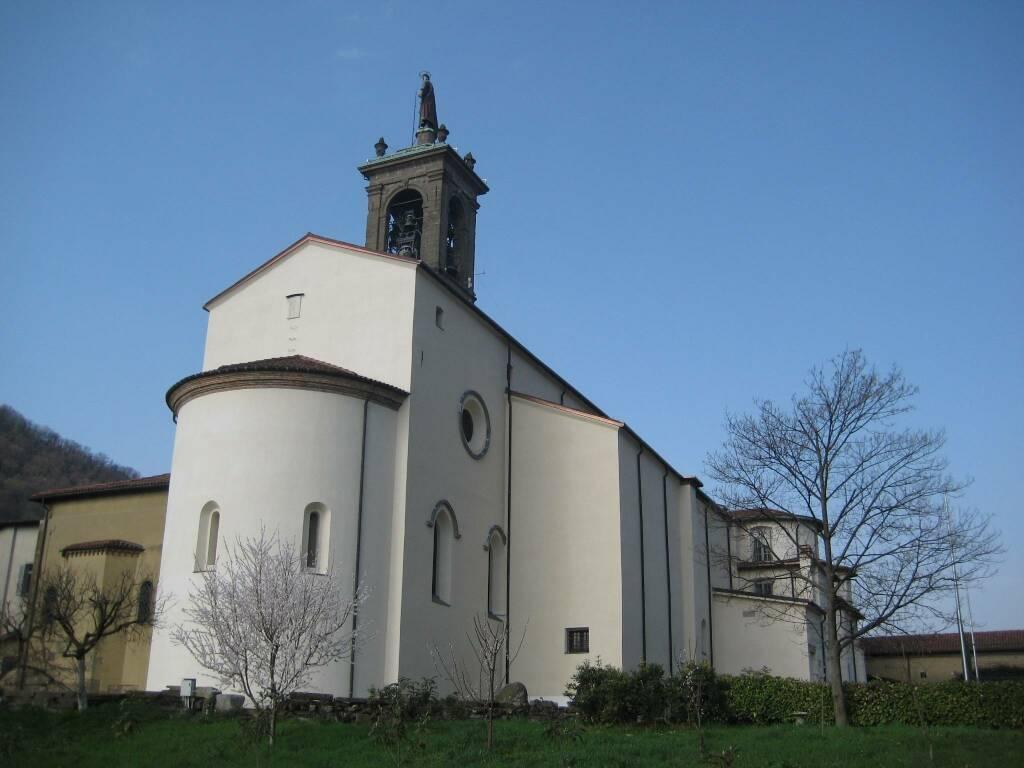 chiostro superiore del monastero di Pontida