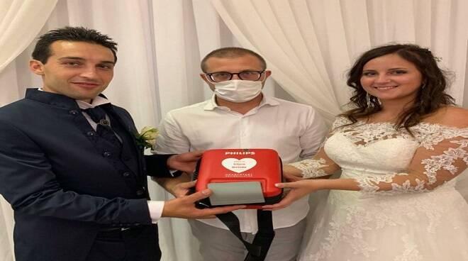 Sposi defibrillatore