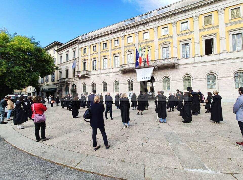 Gli avvocati di Bergamo si fermano per ricordare la collega Ebru Timtik
