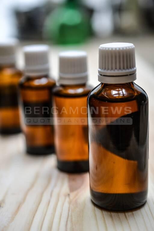 Corso online di aromaterapia - Preparazioni domestiche a base di oli essenziali