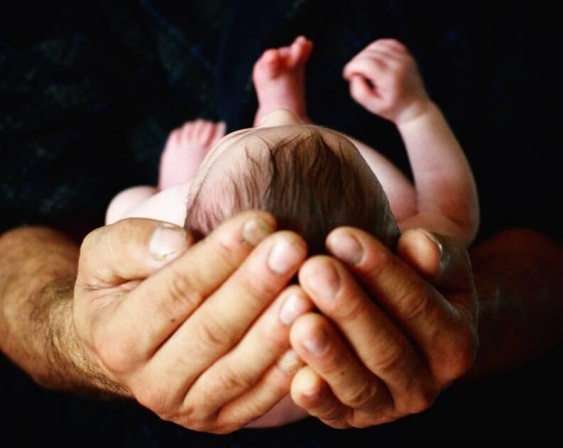 neonato (Foto di Jill Sauve da Unsplash)