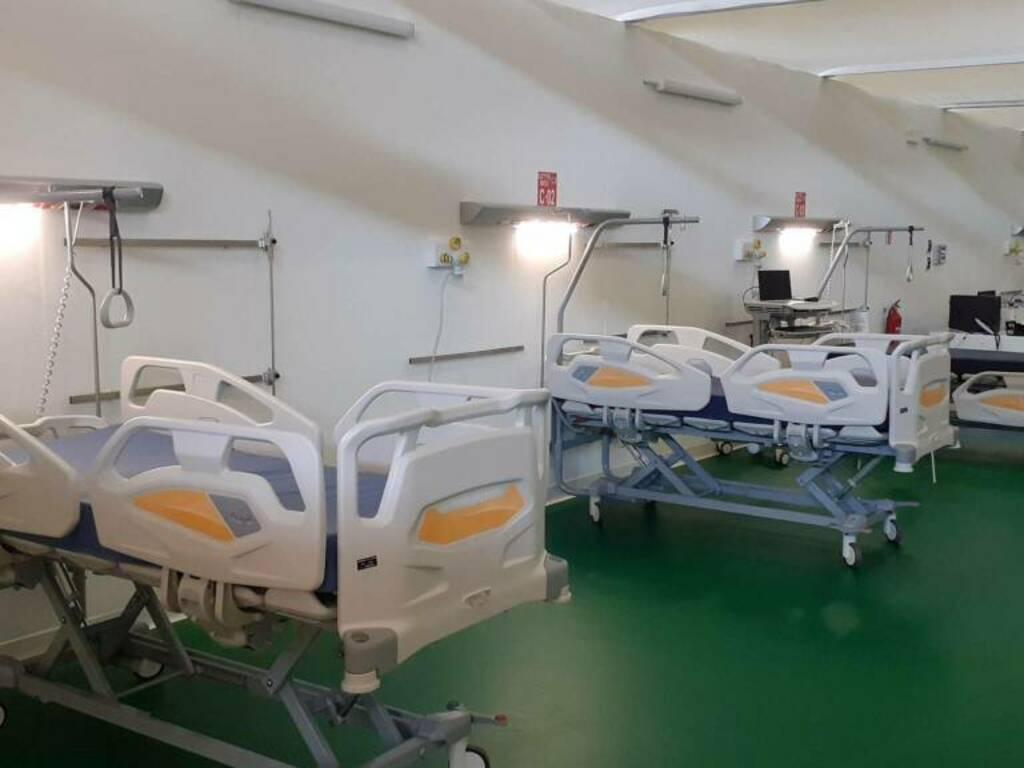 pronto a riaprire l'ospedale da campo alla Fiera
