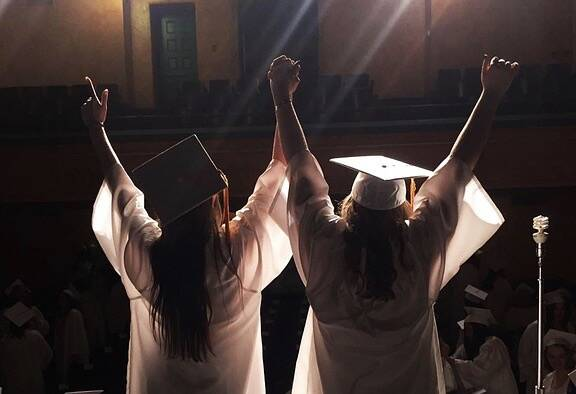 Come festeggiare la laurea in sicurezza: cosa devi sapere