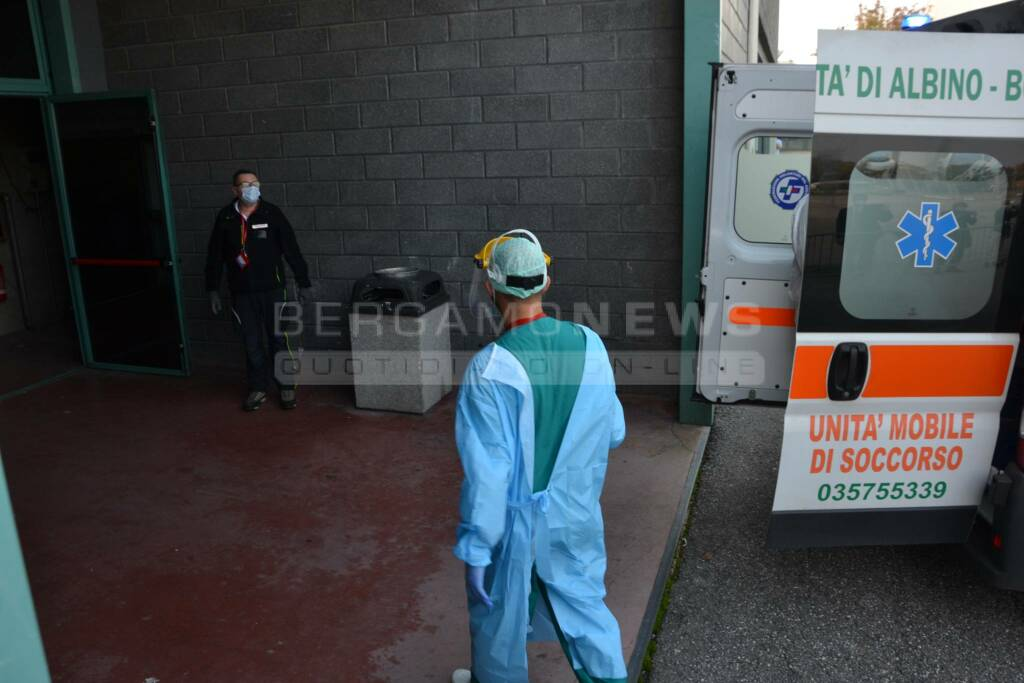 ospedale fiera covid coronavirus infermieri