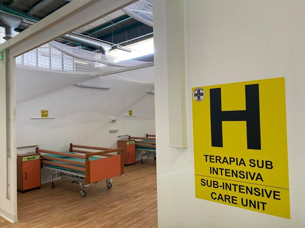 Riaperto l'ospedale alla Fiera di Bergamo: l'arrivo dei primi pazienti Covid