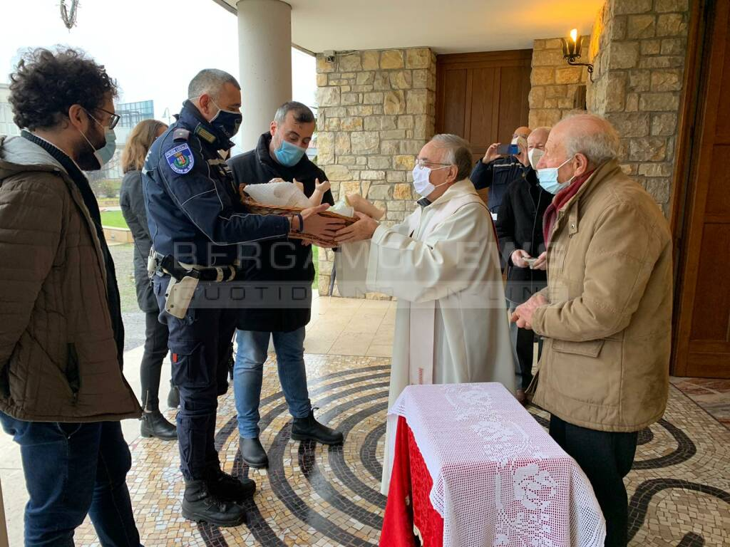 Gesù bambino restaurato e donato alla parrocchia di Guzzanica