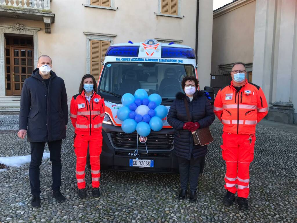 ambulanza croce azzurra almenno