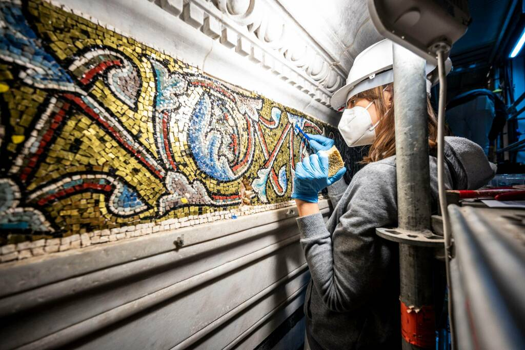 Restauro mosaici Battistero di Firenze