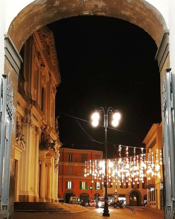 Luminarie Alzano vittime Covid