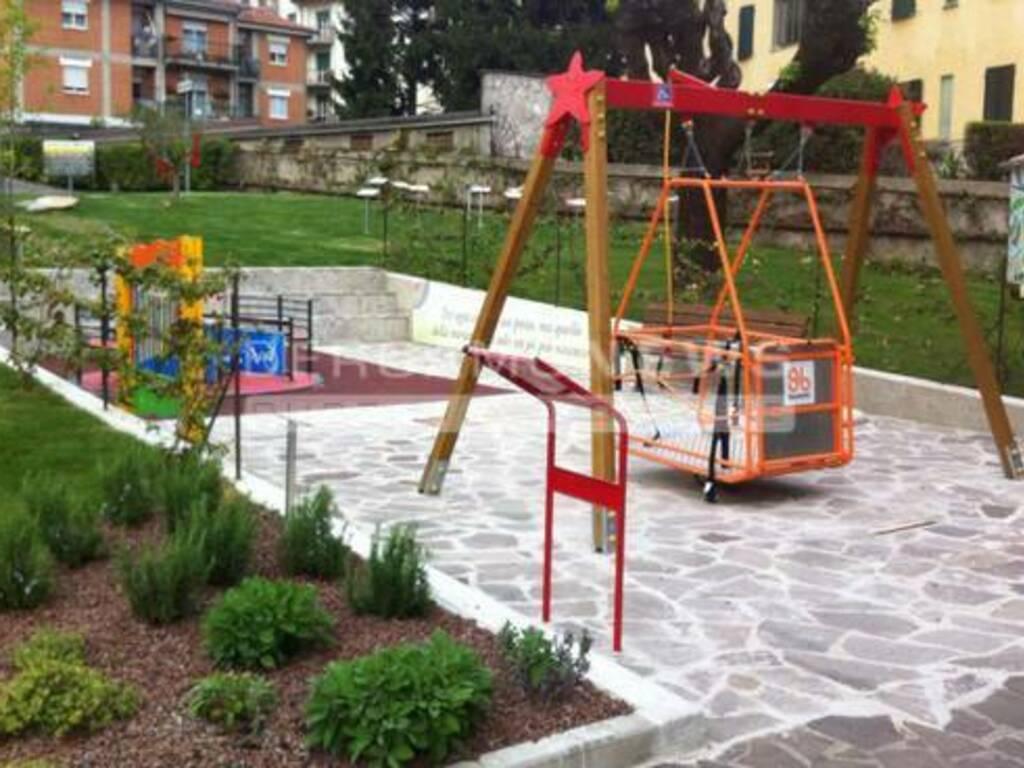 parco giochi inclusivo costa volpino