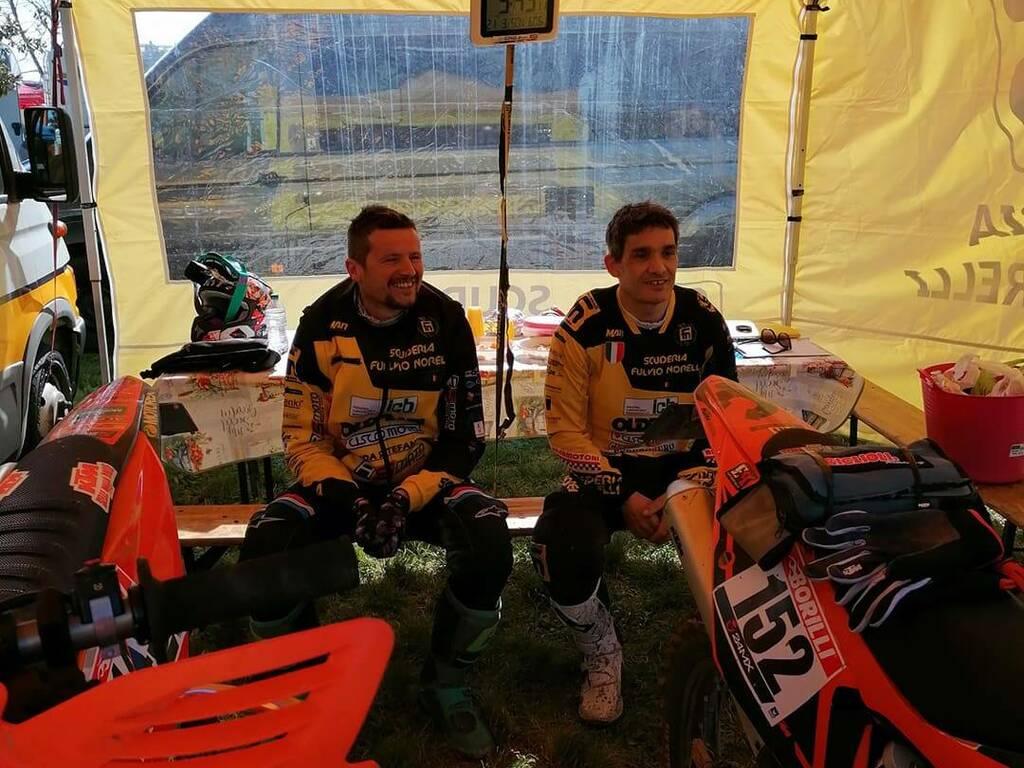 Da destra: Davide Marangoni, 2° classificato classe Veteran 2 Tempi su KTM 300 cc 2T e Carmelo Mazzoleni, 3° classificato classe Expert 300 su KTM 300 cc 2T