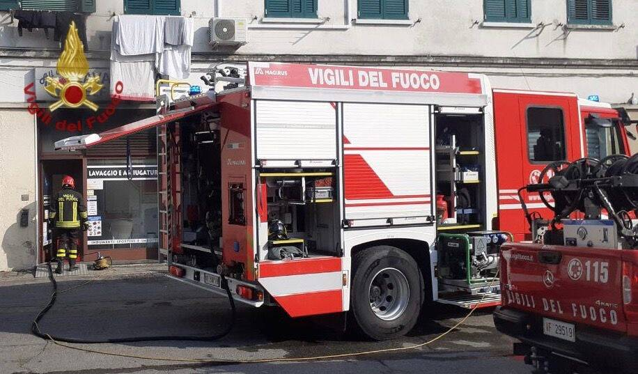 Dalmine, incendio in lavanderia