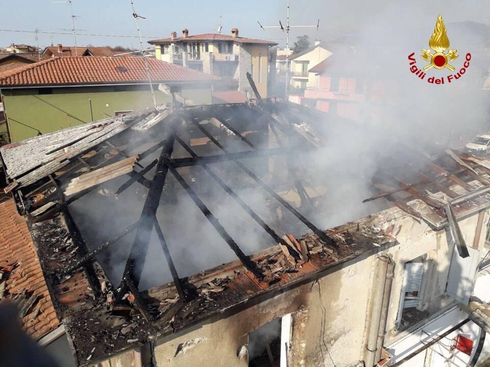 Torre de' Roveri, esplosione distrugge una casa