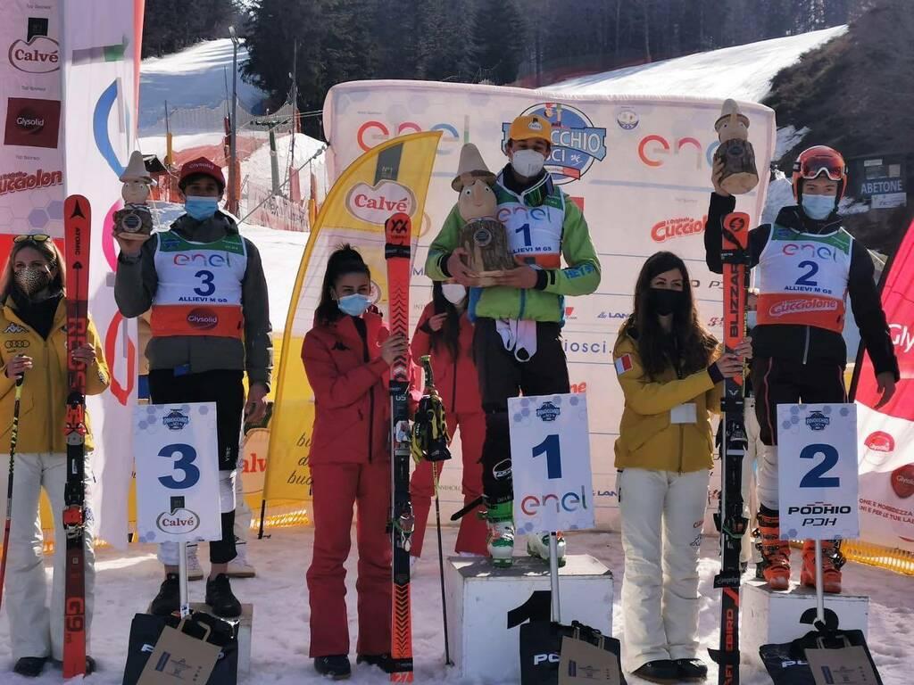Pinocchio sugli sci podio gigante