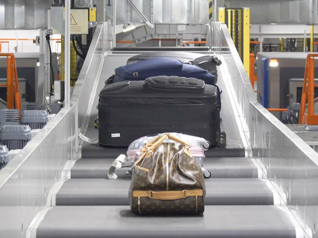 ritiro bagagli aeroporto bergamo orio (Immagine Siemens ok)