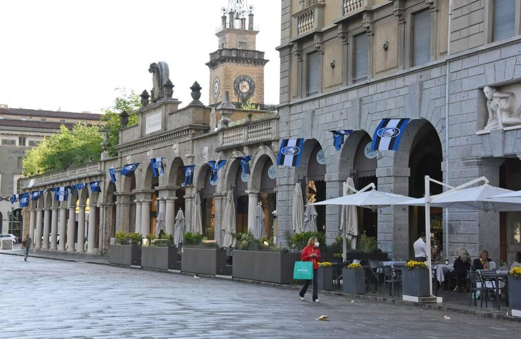 Atalanta, la città si riempie di bandierine per la finale di Coppa Italia
