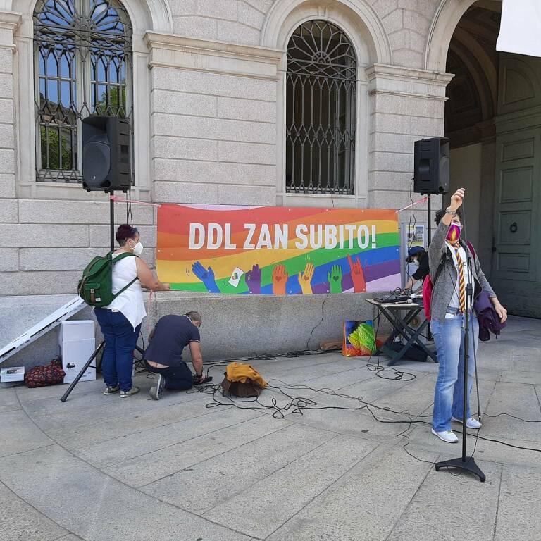 Ddl Zan, si manifesta anche a Bergamo