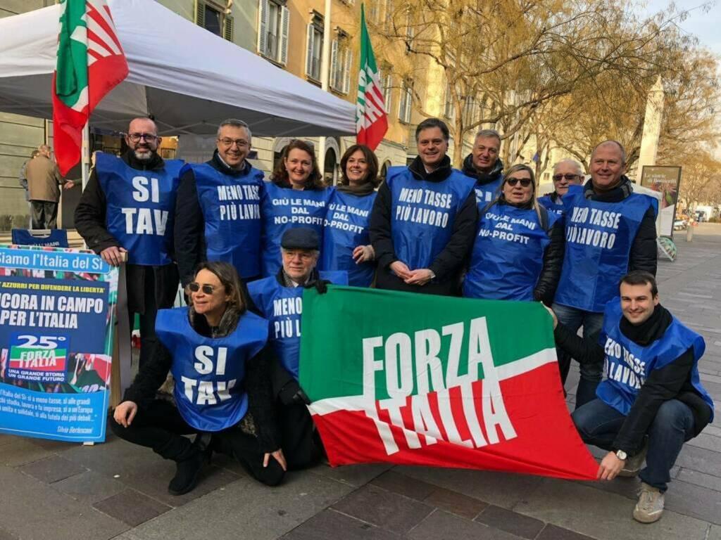 gazebo forza italia