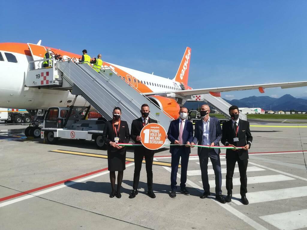 Primo volo easyJet a Orio