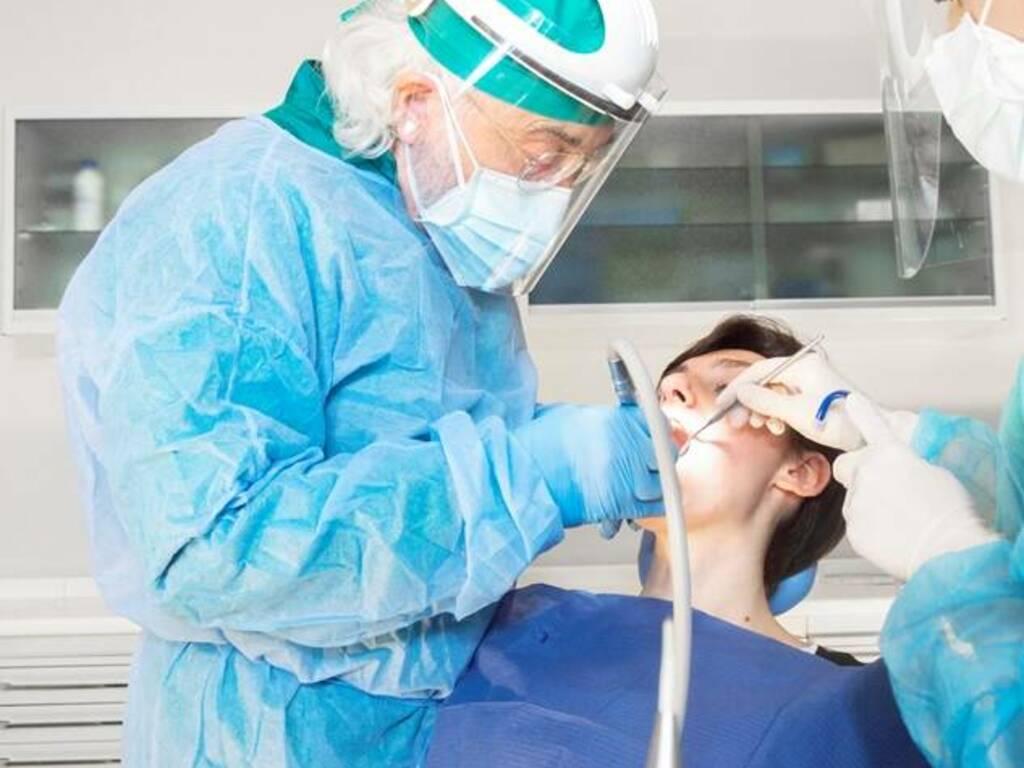 Centri Implantologici Tramonte: la funzionalità dei denti e l'estetica del sorriso