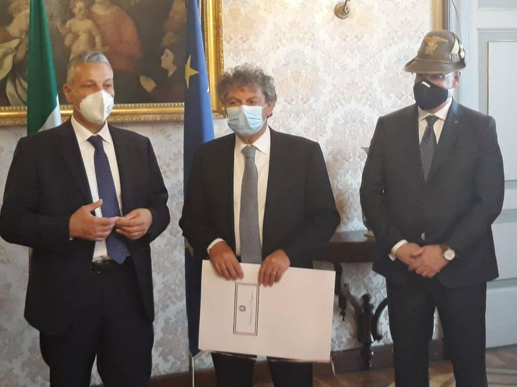 Giovanni Licini ufficiale dell'Ordine Al Merito della Repubblica Italiana