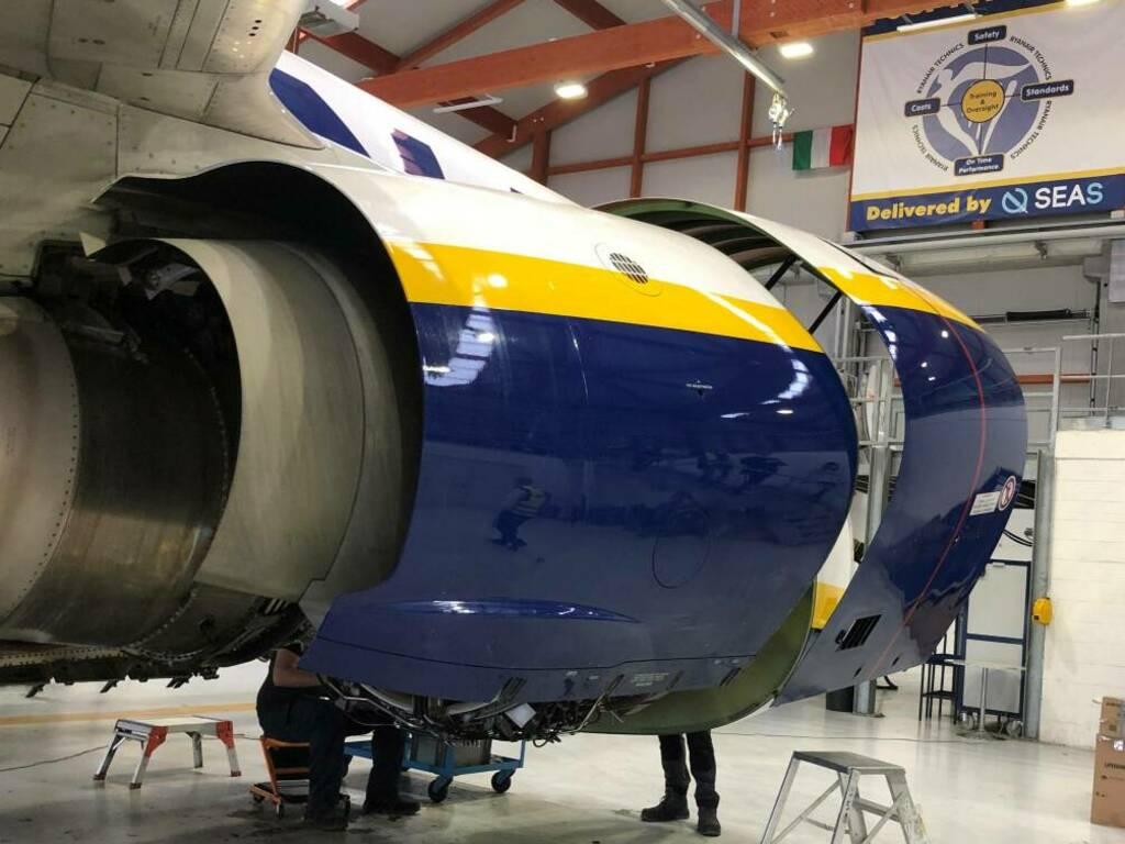 hangar riparazione aerei