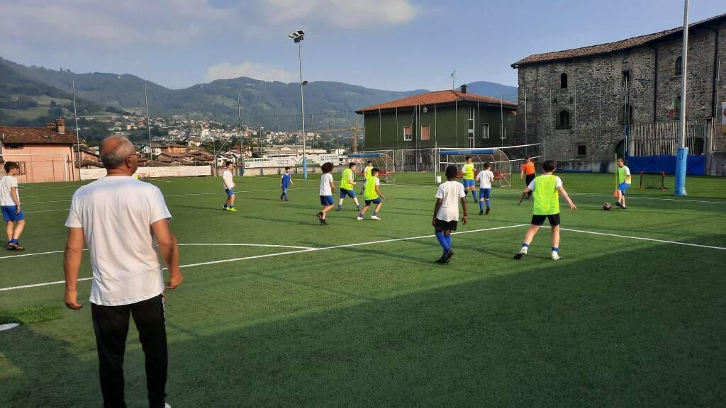Lino Mutti torna in campo all'oratorio di Cazzano