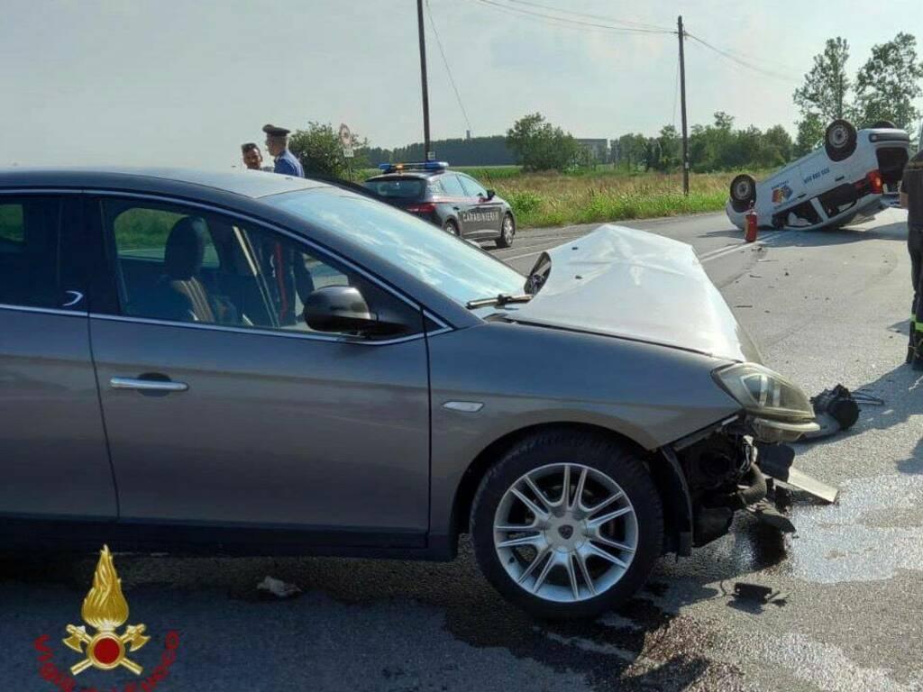 Ghisalba, guardia giurata ferita in un incidente: l'altro automobilista fugge a piedi