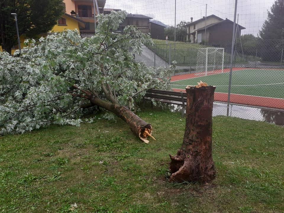 I danni del maltempo in Val Brembana