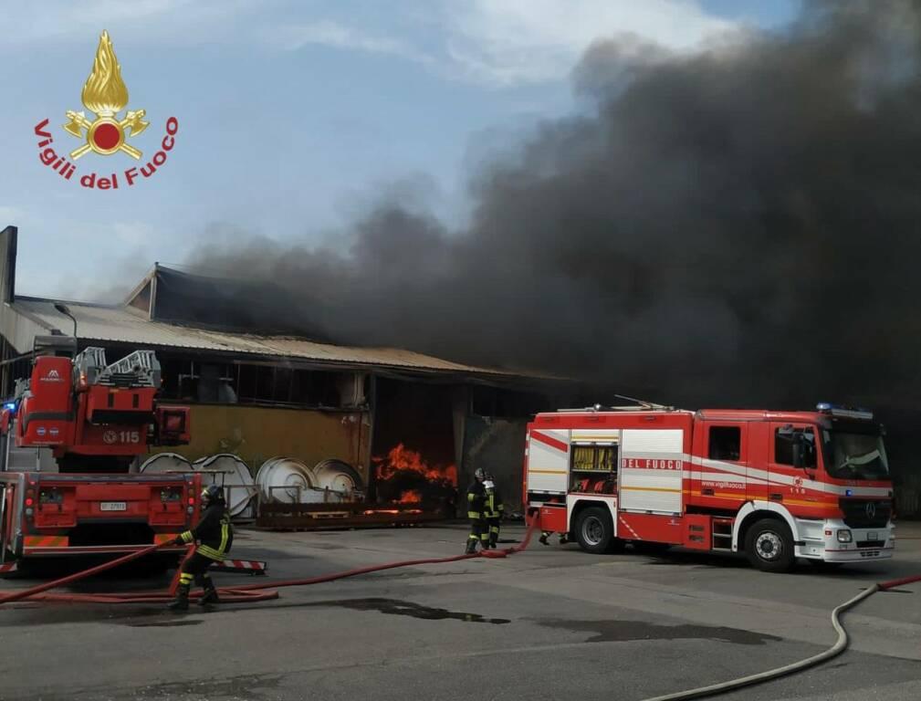 Incendio in un'azienda di Urgnano