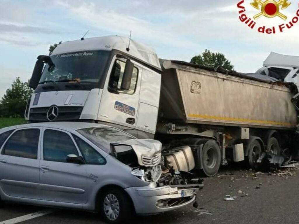 incidente mortale A21 camion