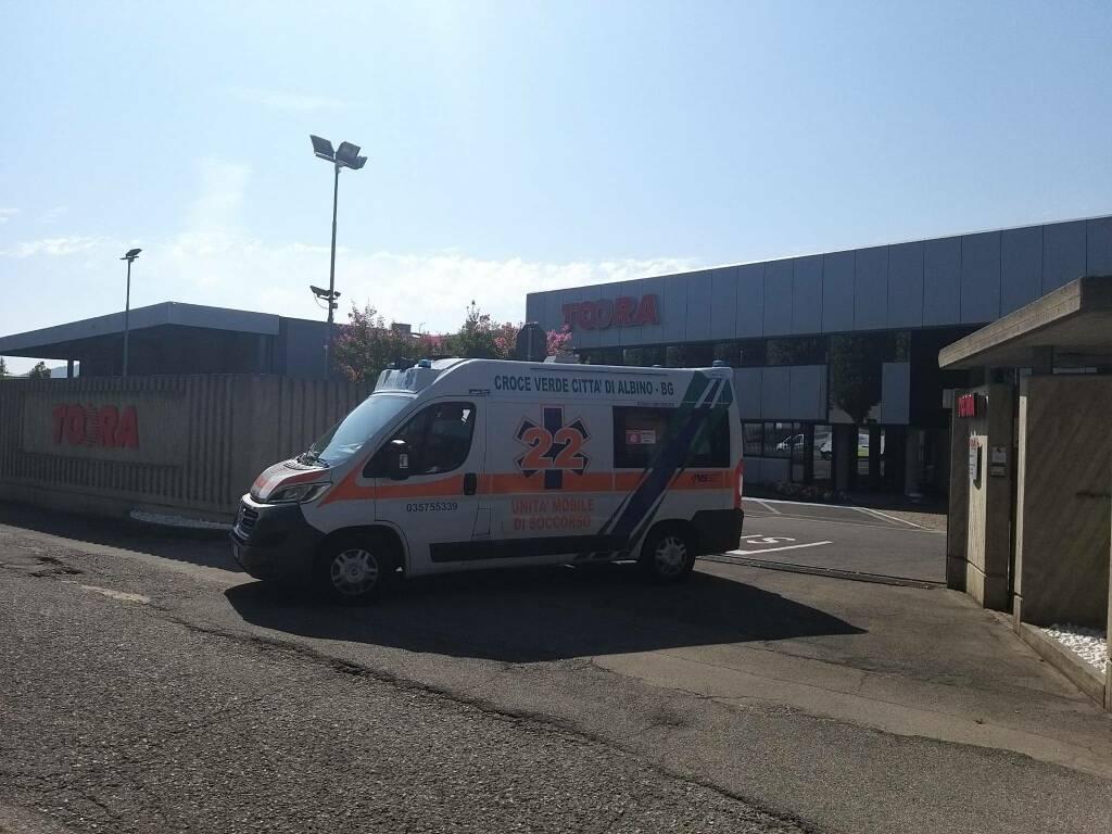 Ambulanza infortunio Toora