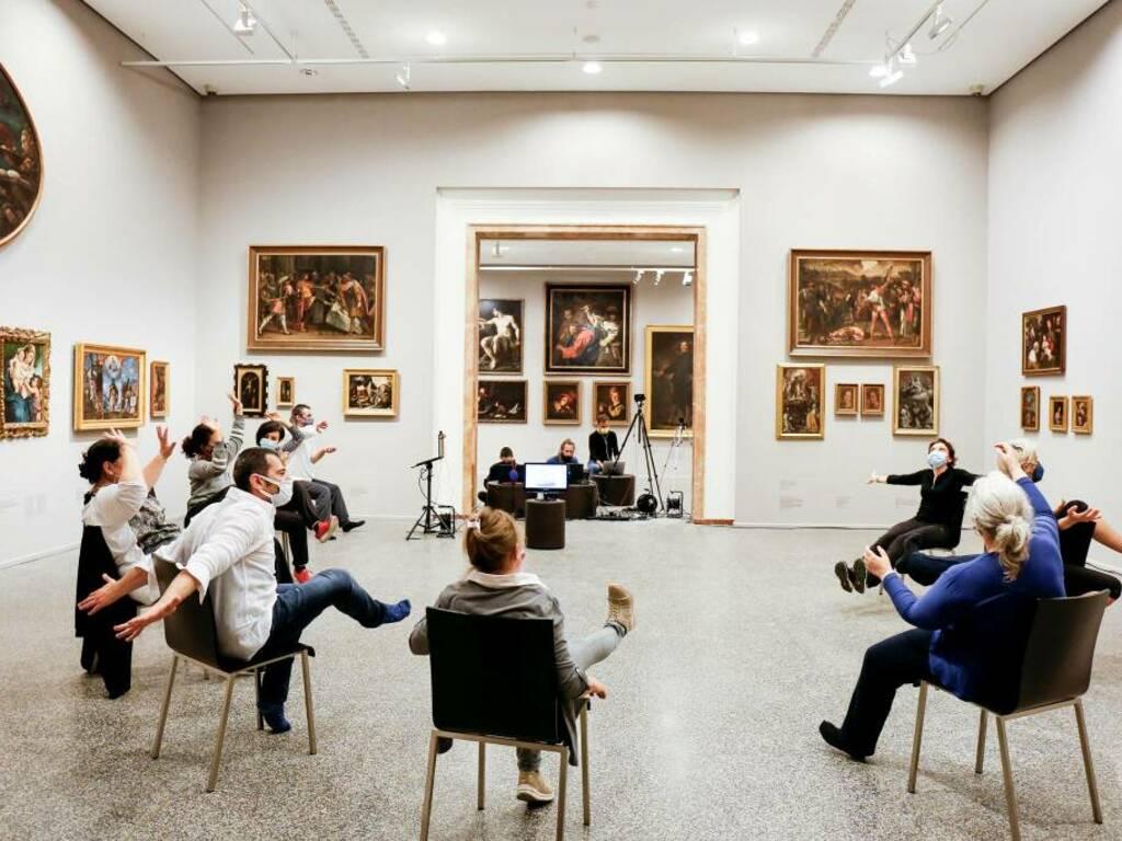 Lezioni di Dance Well all'Accademia Carrara di Bergamo