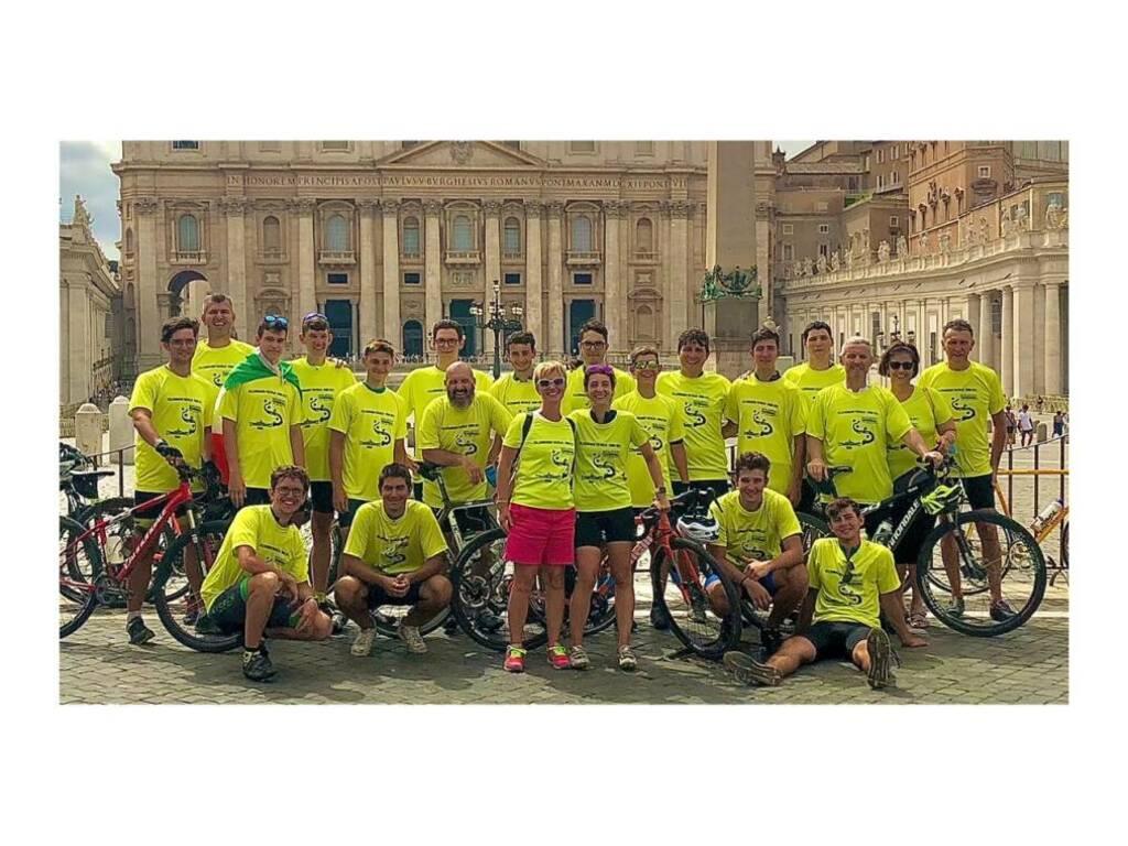 Studenti dei Salesiani in bici a Roma