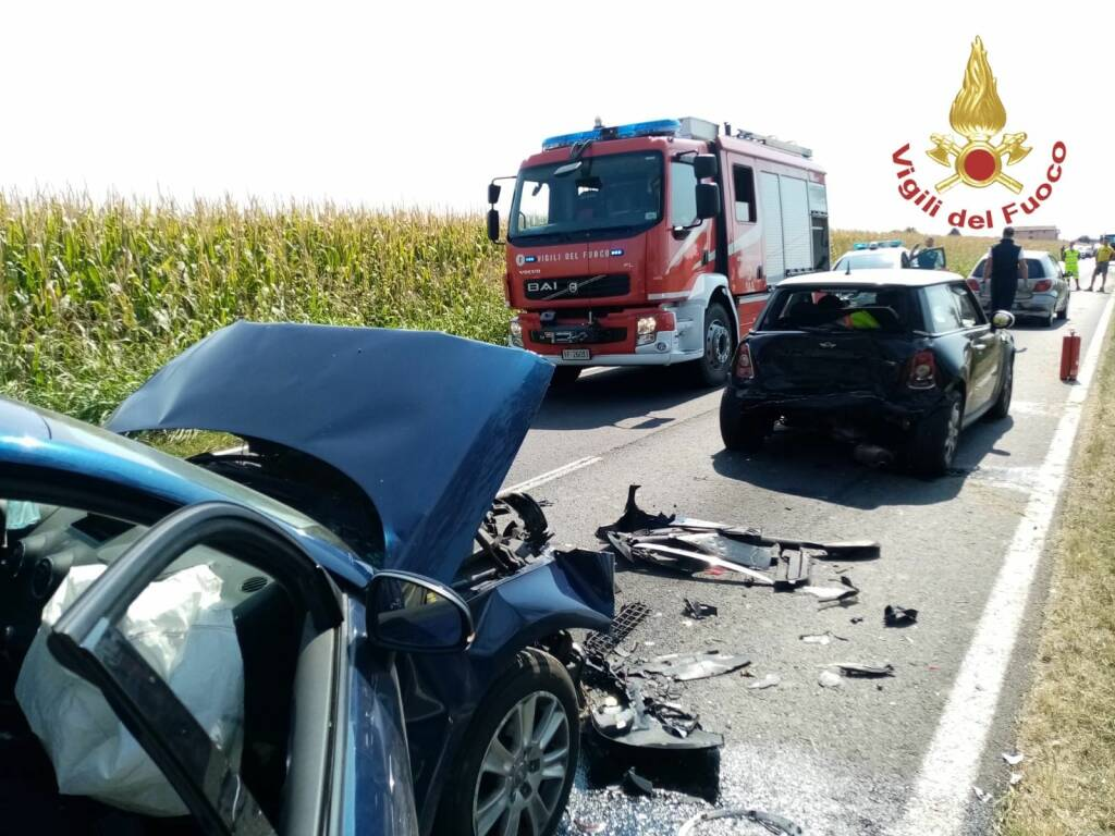 Tamponamento tra 3 auto a Martinengo: 5 feriti