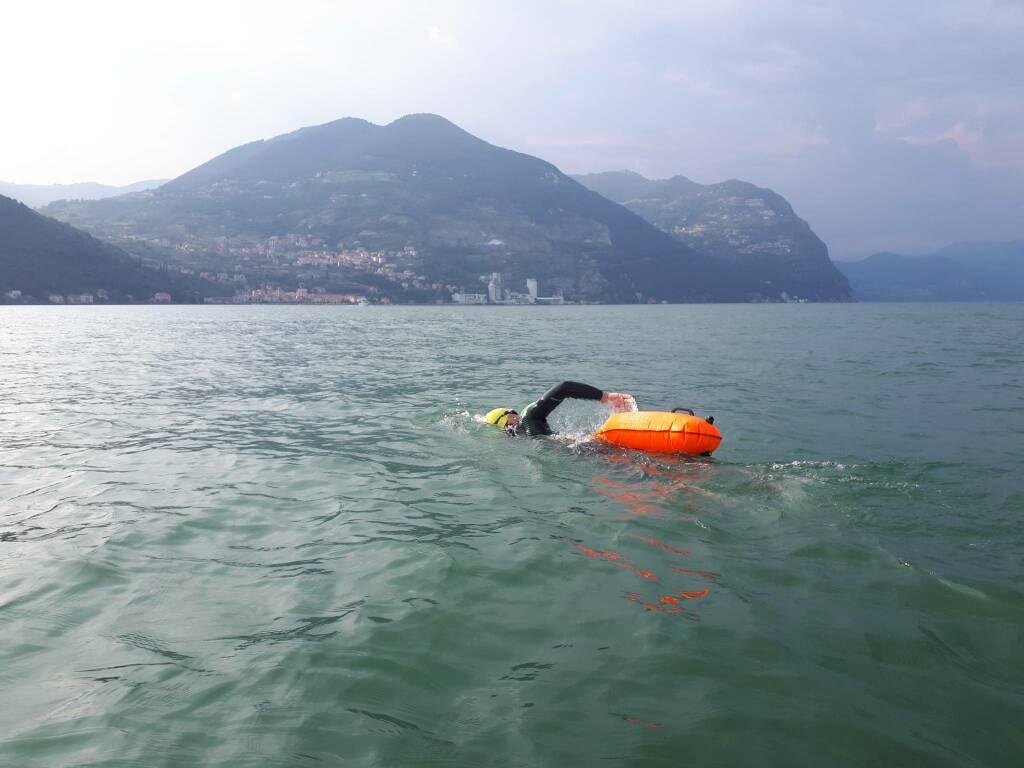 """""""Tra nuoto, bici e corsa 224 km con dislivello come l'Everest: la mia impresa sul lago d'Iseo"""""""