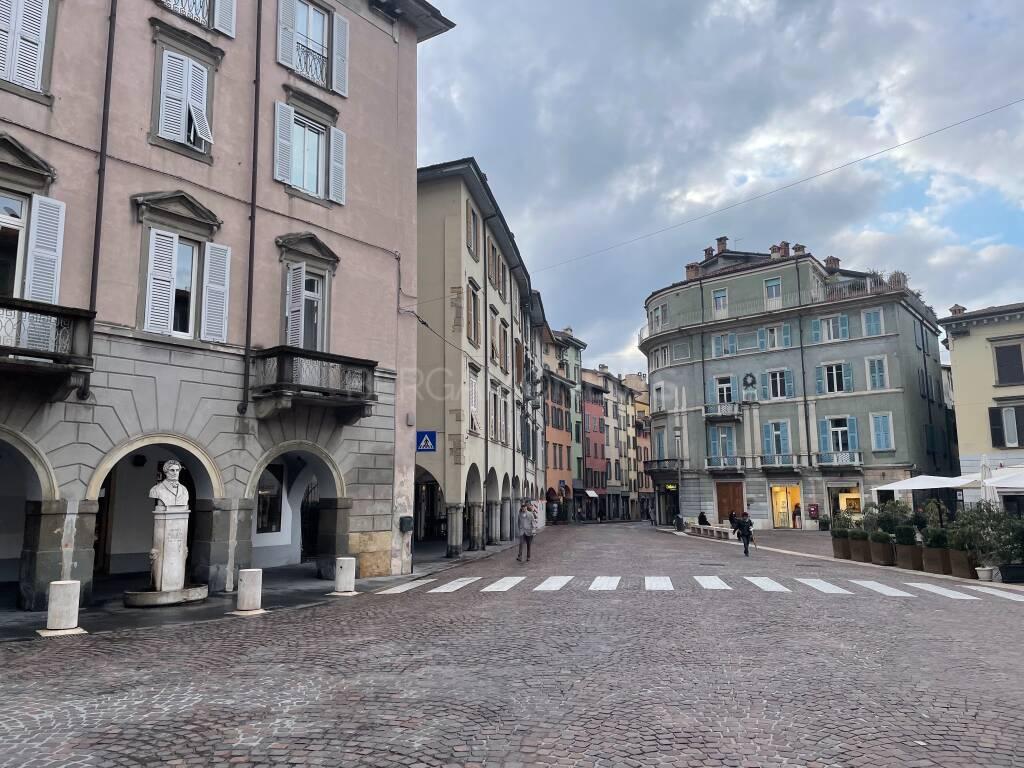 Un palcoscenico d'eccezione per la storia di Bergamo: Piazza Pontida e il comizio di Giuseppe Mazzini